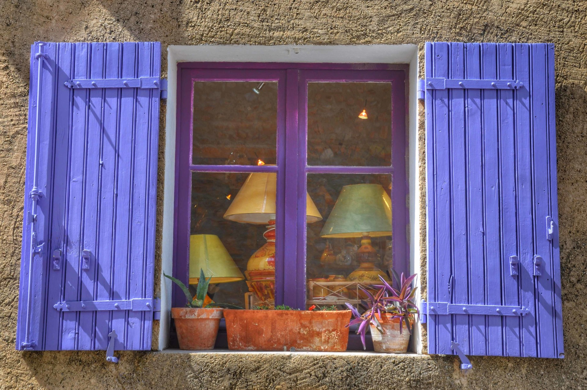 Pretty shop in hight provence
